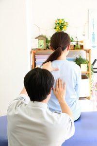 湘南ひらつか整体院の背骨&骨盤バランスチェック法