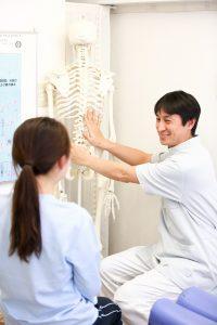 この痛みやしびれの原因は?どうすれば改善するの?